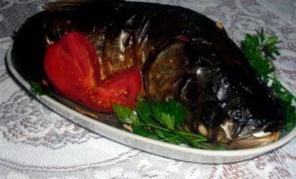 Фаршированный толстолобик приготовленный в духовке