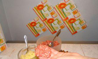 Картофельные зразы с фаршем для детей